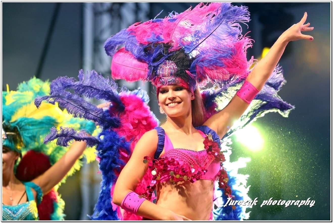 samba-brazylijska-WESELE-pokaz-DIAMONDS-grupa-TANECZNAtaneczne-SHOW-CIEBIE-bielsko-biala-katowice-kraków-dance-loveit