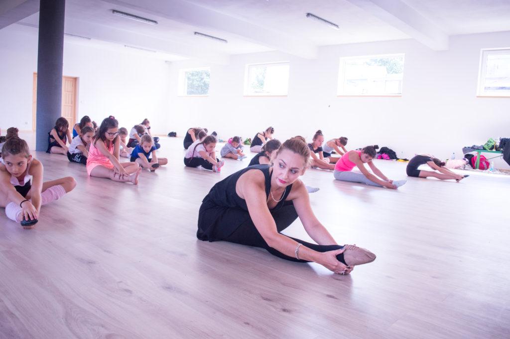 body-shape-wzmacnianie-stretching-izolacje-cwiczenia-fitness-danceloveit-szkola-tanca-bielsko-biala
