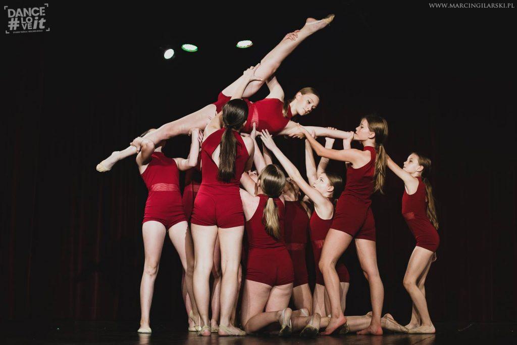 sigma-sigma-junior-formacja-taneczna-danceloveit-szkola-tanca-studio-tanca-modern-jazz-contemporary-taniec-wspolczesny-bielsko-biala