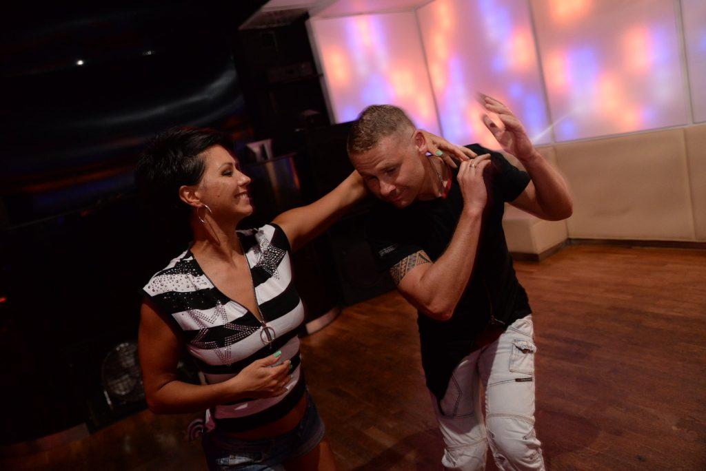 salsa-kubanska-cubana-sala-w-parach-danceloveit-szkola-tanca-studio-bielsko-biala-marcin-krysia-aksamit-axamit